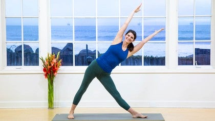 sarah lowe yoga teacher